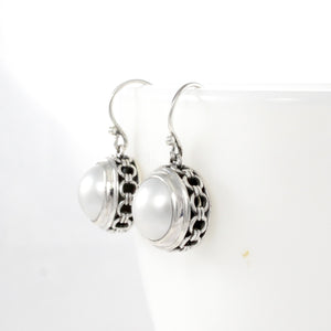 Chain frame round dangle drop earrings with genuine white mabe pearl set in bali handmade 925 sterling silver, beautiful earring for women - SUVARNASILVERCO.,LTD