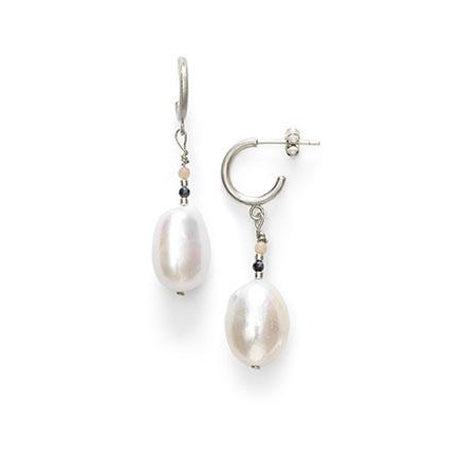 ANNI LU Peppy Baroque Pearl Earrings Silver Peony