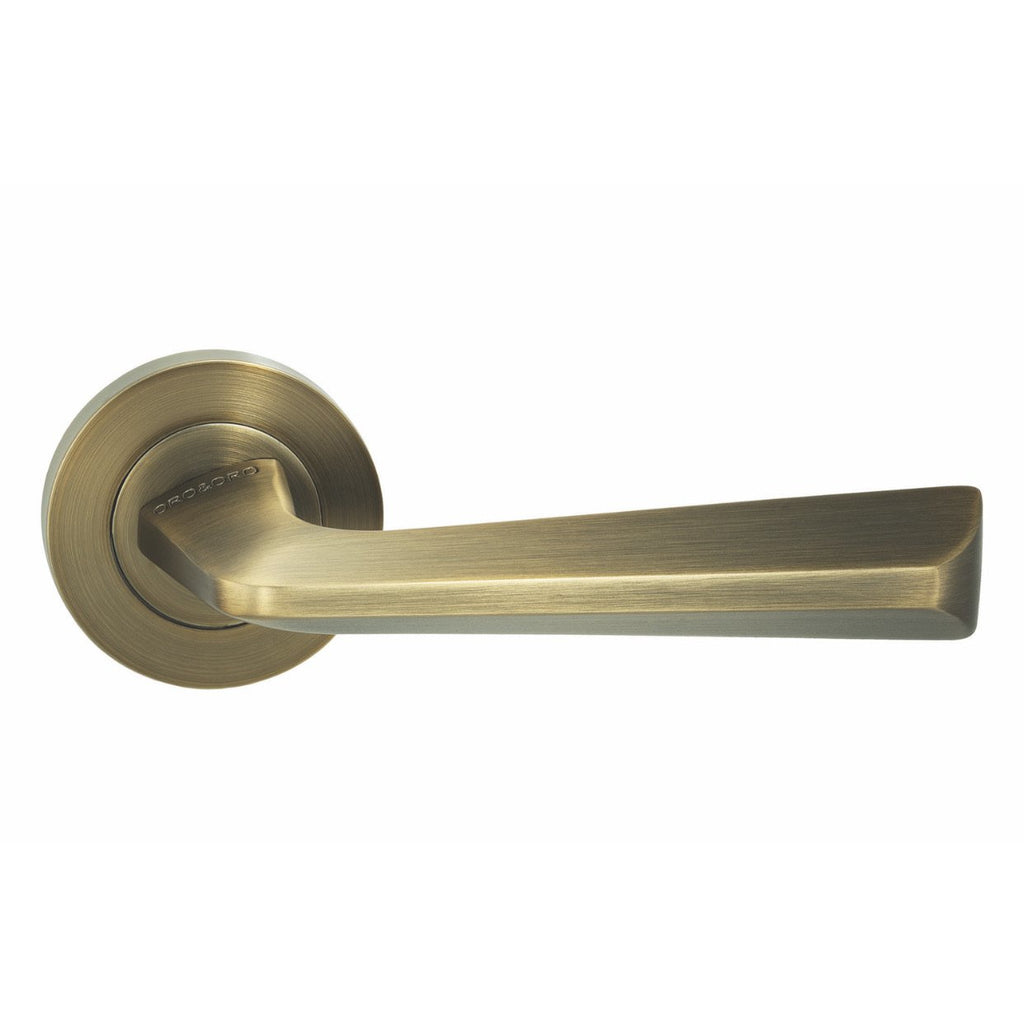 Handle on Round Rose w/ Round Key Escutcheons WAB