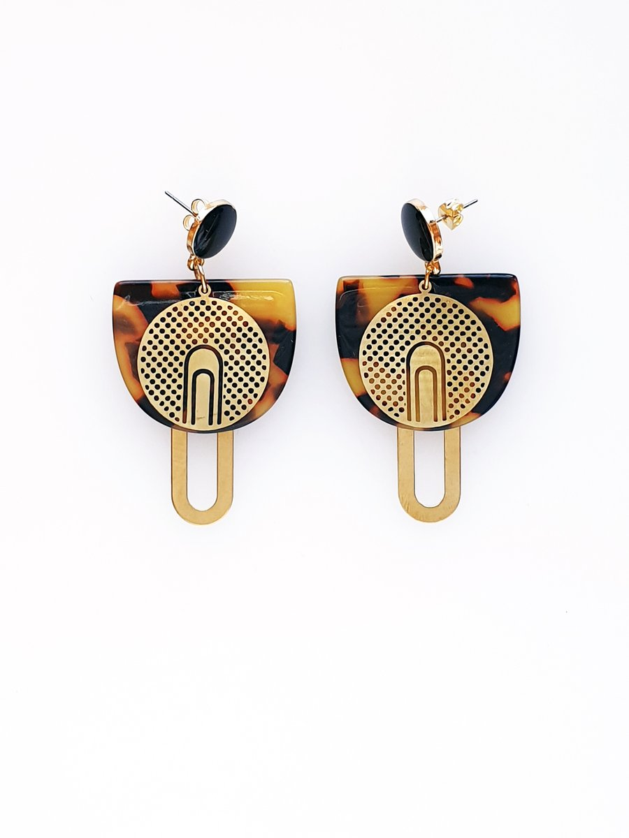 Majesty Earrings Black