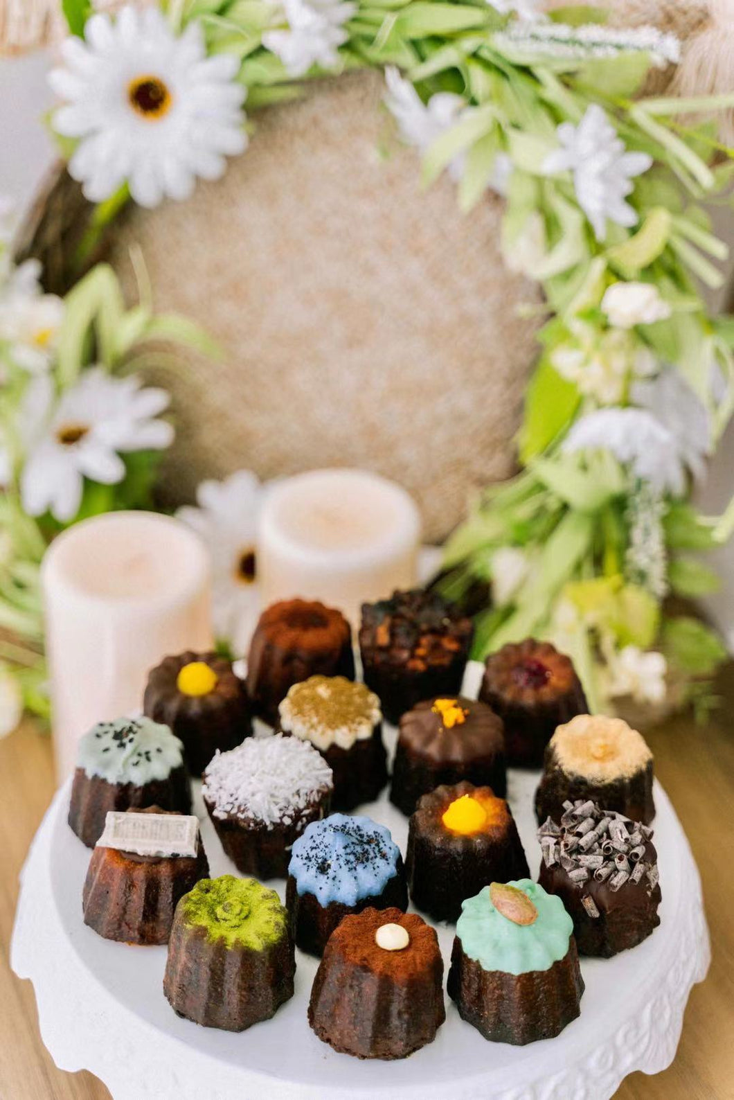 Luscious Canelés Sharing Box(16pcs)