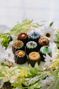Enticing Canelés Sharing Box(8pcs)