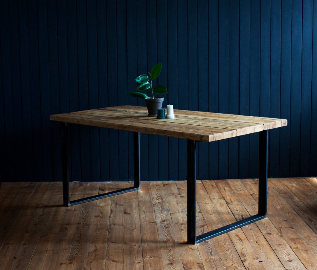 Big Bessy  - Kitchen dining table