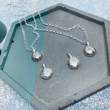 Load image into Gallery viewer, Personalised letter solid sterling silver pebble necklace