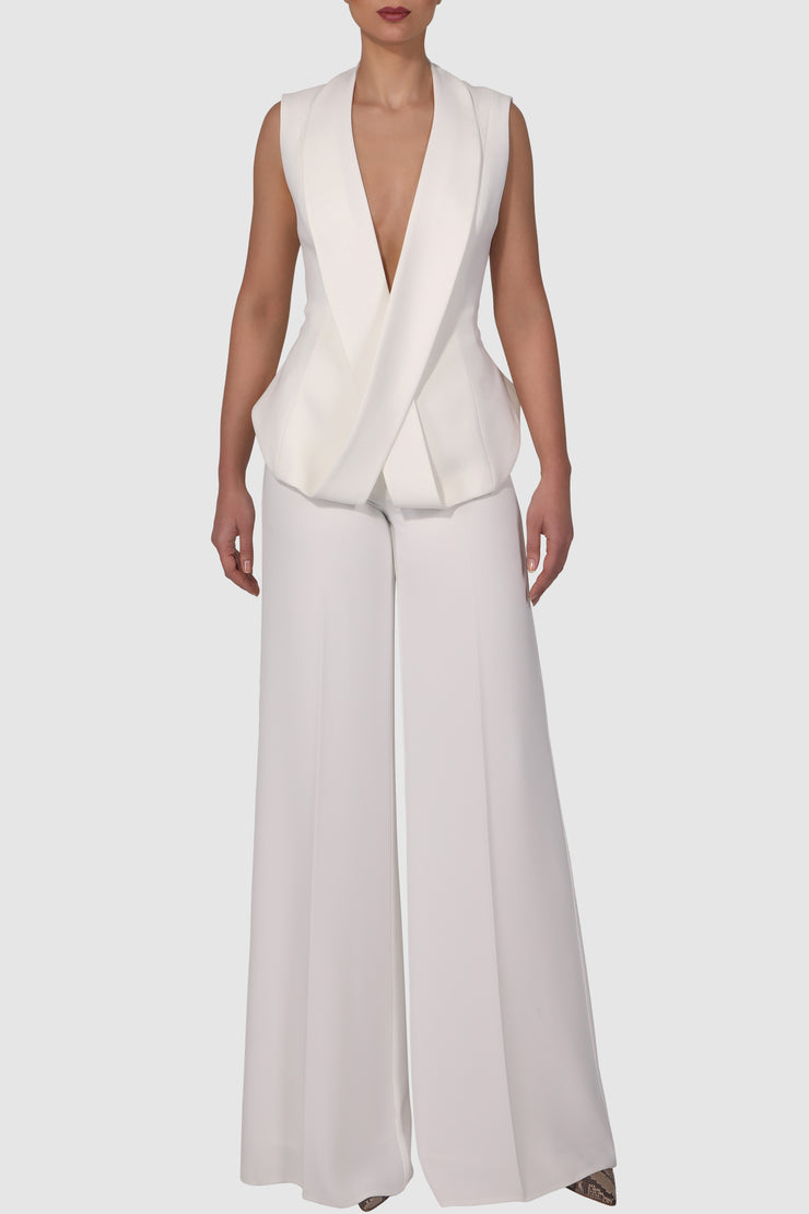Plunged cross-over sleeveless crepe suit