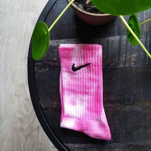 Load image into Gallery viewer, Nike Socks Flamingo