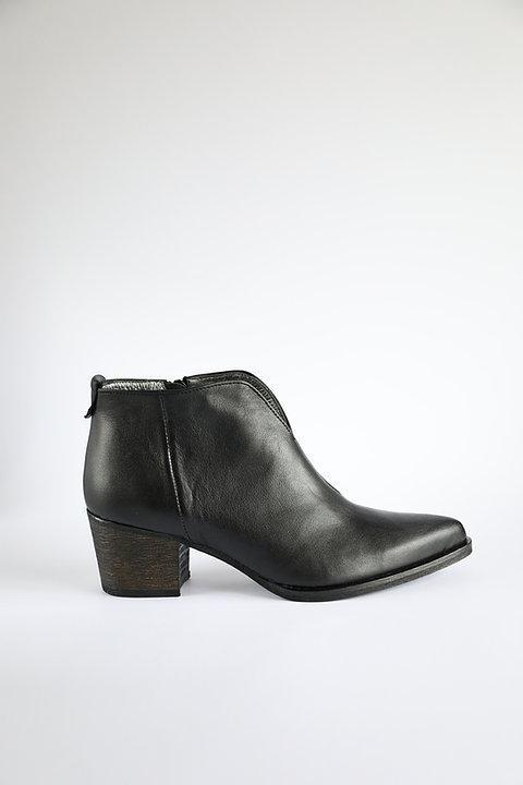 Leather Crushers Black