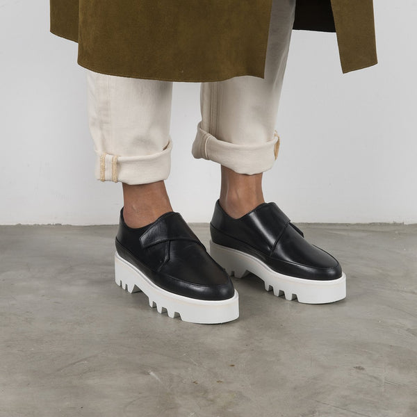 WRAP UP - Black Leather Platform Creepers