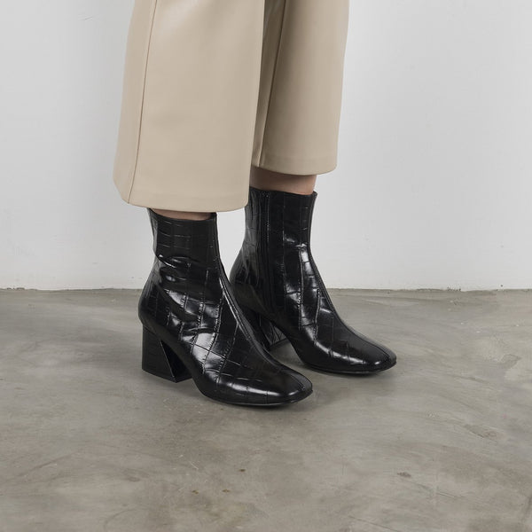 DORIC - Black Leather Square Toe Boots