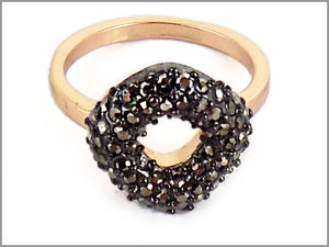 PAVE WREATH RING