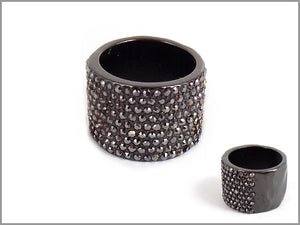 THICK LAYER PAVE BAND RING