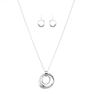 Double Circles Pendant Necklace