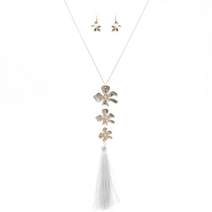 Daisey Fringe Necklace