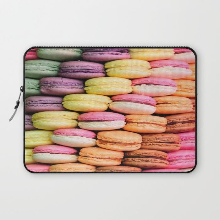 macarons love laptop tok