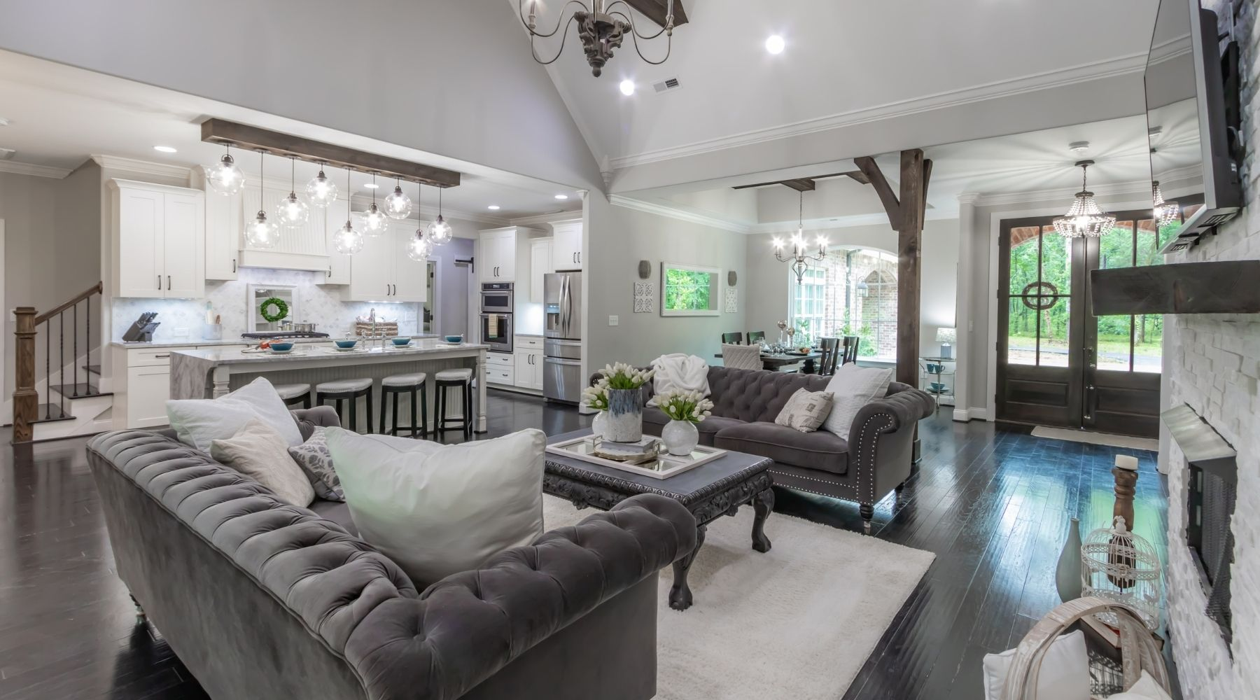 Easy Ways To Make Your Home Feel More Luxurious