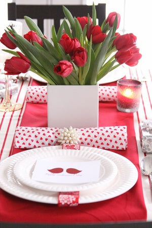 romantic-valentines-day-table-settings-43.jpg