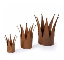 Load image into Gallery viewer, Set of 3 Rust Crown Planters