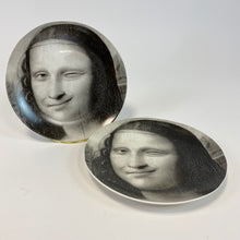 Load image into Gallery viewer, Black and White Mona Lisa Face Plates - Tongue