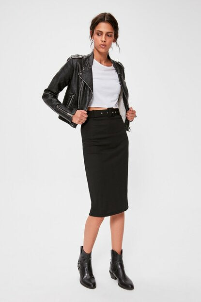 Women's Belted Black Rib Skirt
