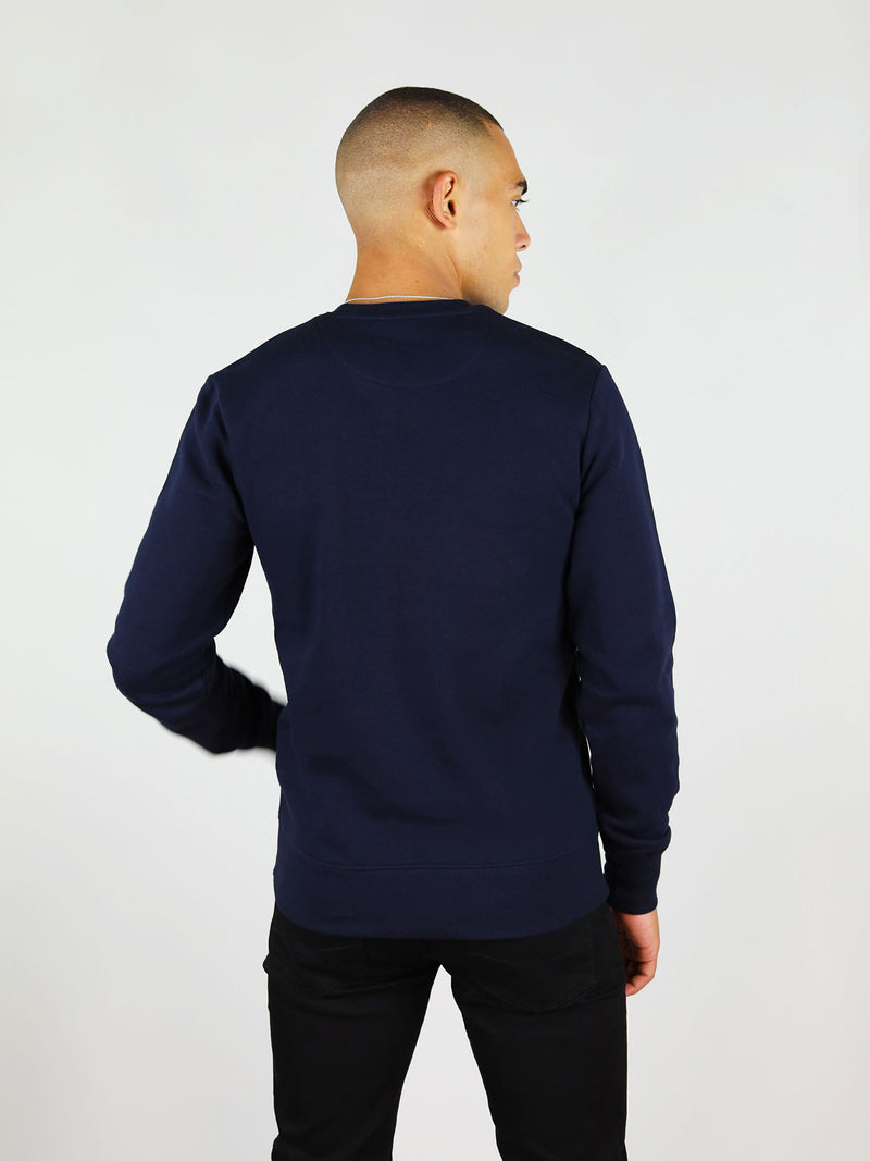 Slightly oversized and raglan sleeves, the thunder organic sweatshirt will keep you both warm and comfortable. It also has crew neck and comes in navy blue.