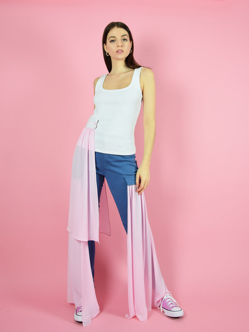 Amazing outfit by blonde gone rogue - the summer breeze tank top in white with a detachable pink veil and the wildflower skinny jeans with pink veils.