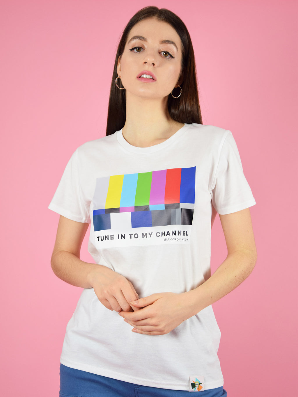 The tune in organic cotton tee by blonde gone rogue comes in white and freatures a cool, colourful, retro print on the chest and a flirty message.