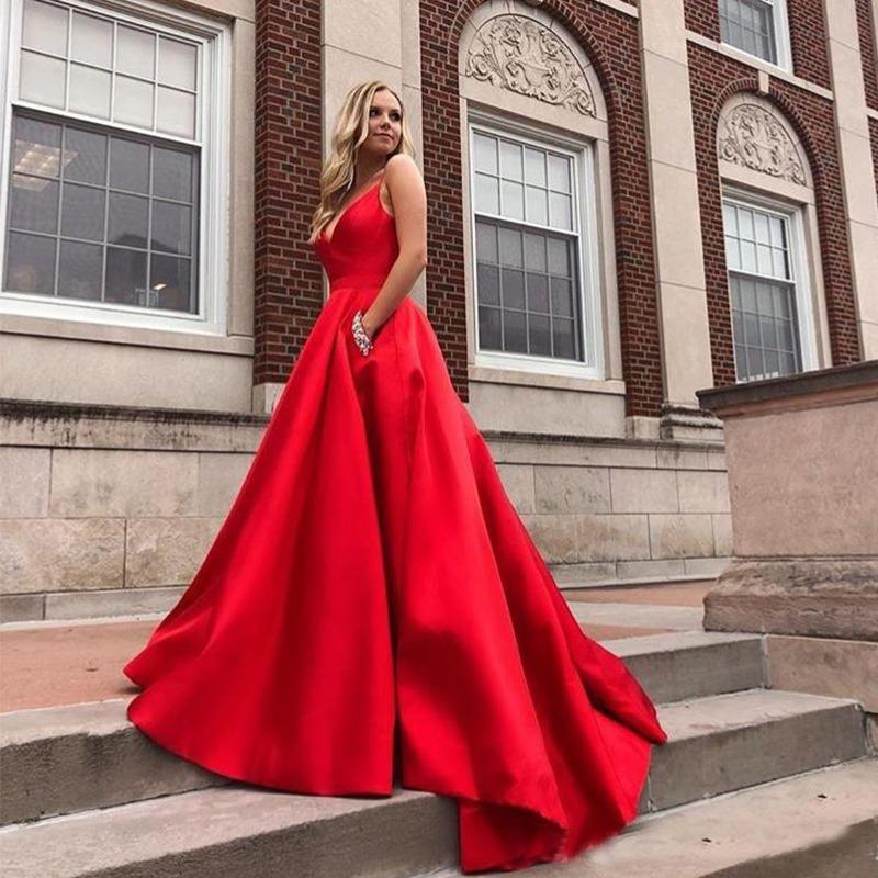 Robe-de-Bal-Rouge-Satin