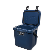 Load image into Gallery viewer, Yeti Roadie 24 Hard Cooler Navy 4