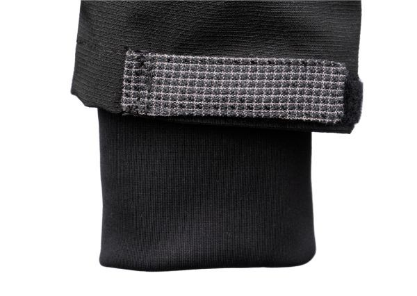 Secondary cuff view of Dymaflex Cut Resistant Jacket in black