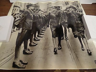 1940s Dispatch Photo News Britain's First Woman General Inspects 020616ame