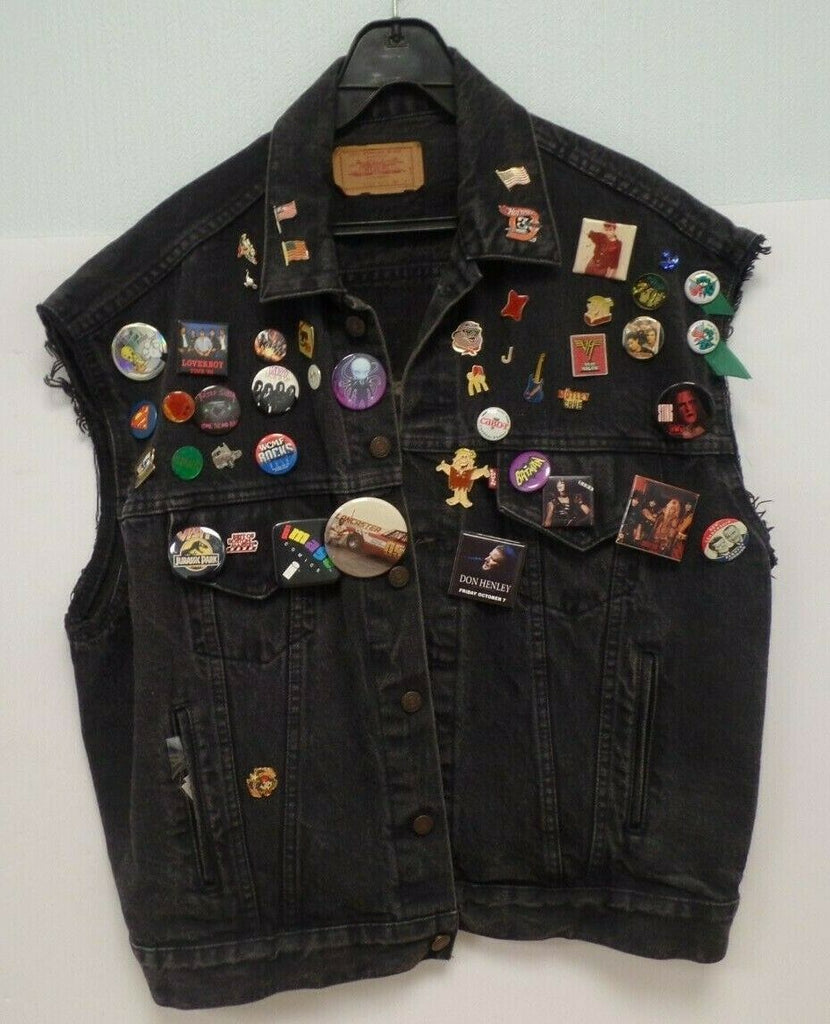 "Levi Strauss Custom Rocker Jacket with 50 Pins and ""Play Boy"" on Back 031319DBT3"