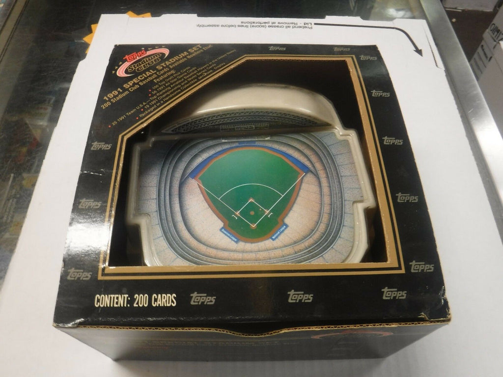 1991 Topps Stadium Club Set w/Skydome Display 011917jh