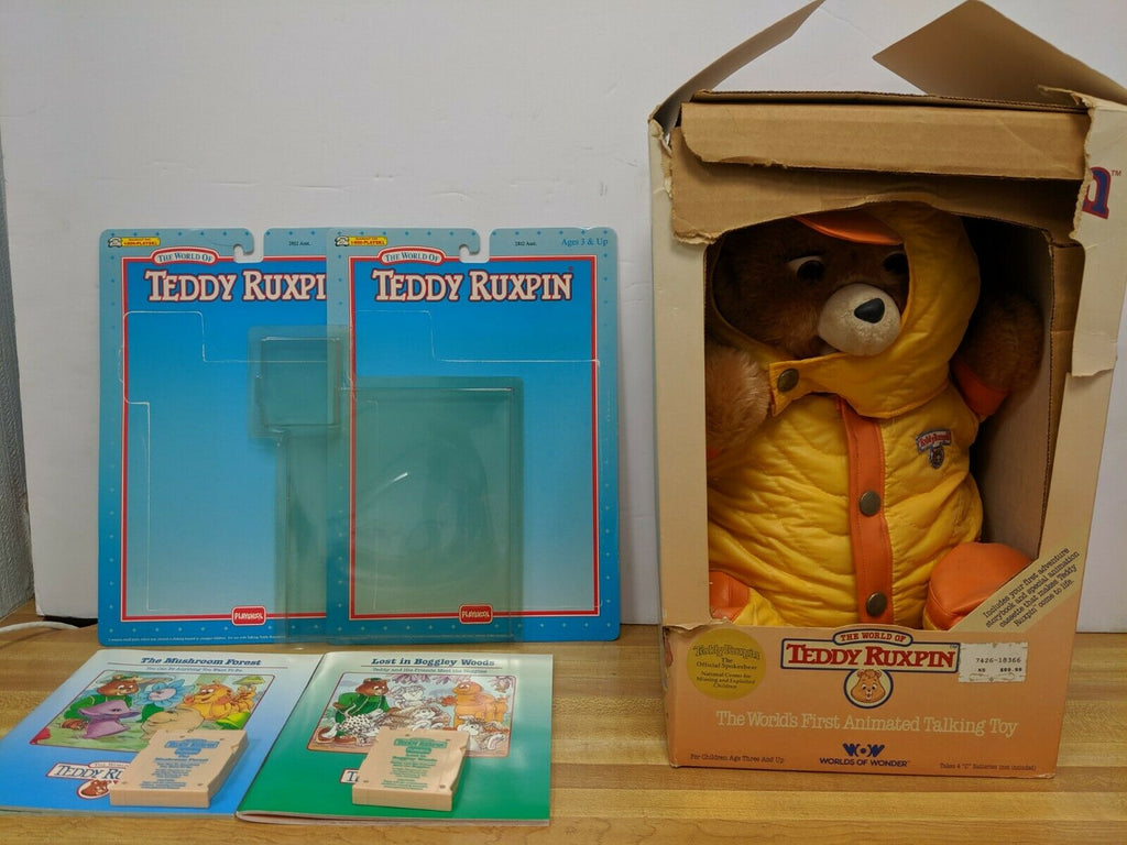 Teddy Ruxpin with Winter Coat and 2 Cassettes 062619DBT2