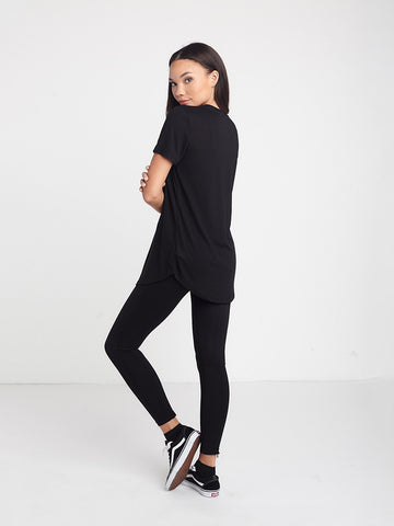 Y Plus R Long Scoop Tee - Black