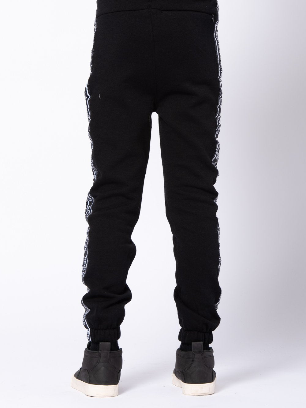 Young and Reckless Boys Youth - Bottoms - Sweatpants Youth Streamline Sweatpants - Black