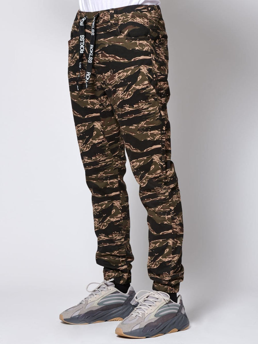 Young and Reckless Mens - Bottoms Outsider Joggers - Camo