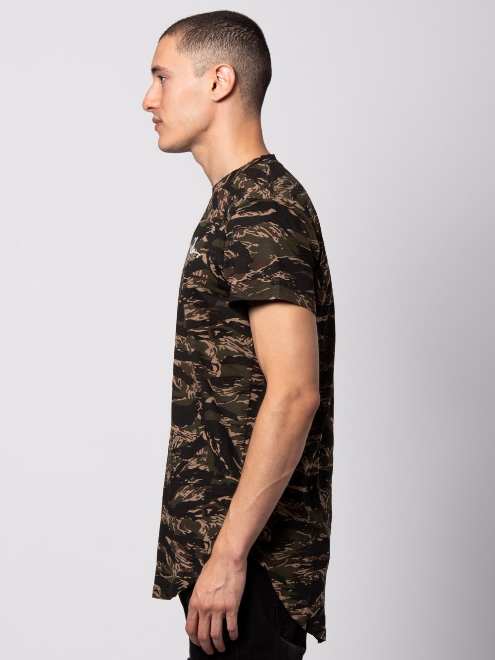 Young and Reckless Mens - Tees - Basic Tee Signature Tiger Tee - Green Camo