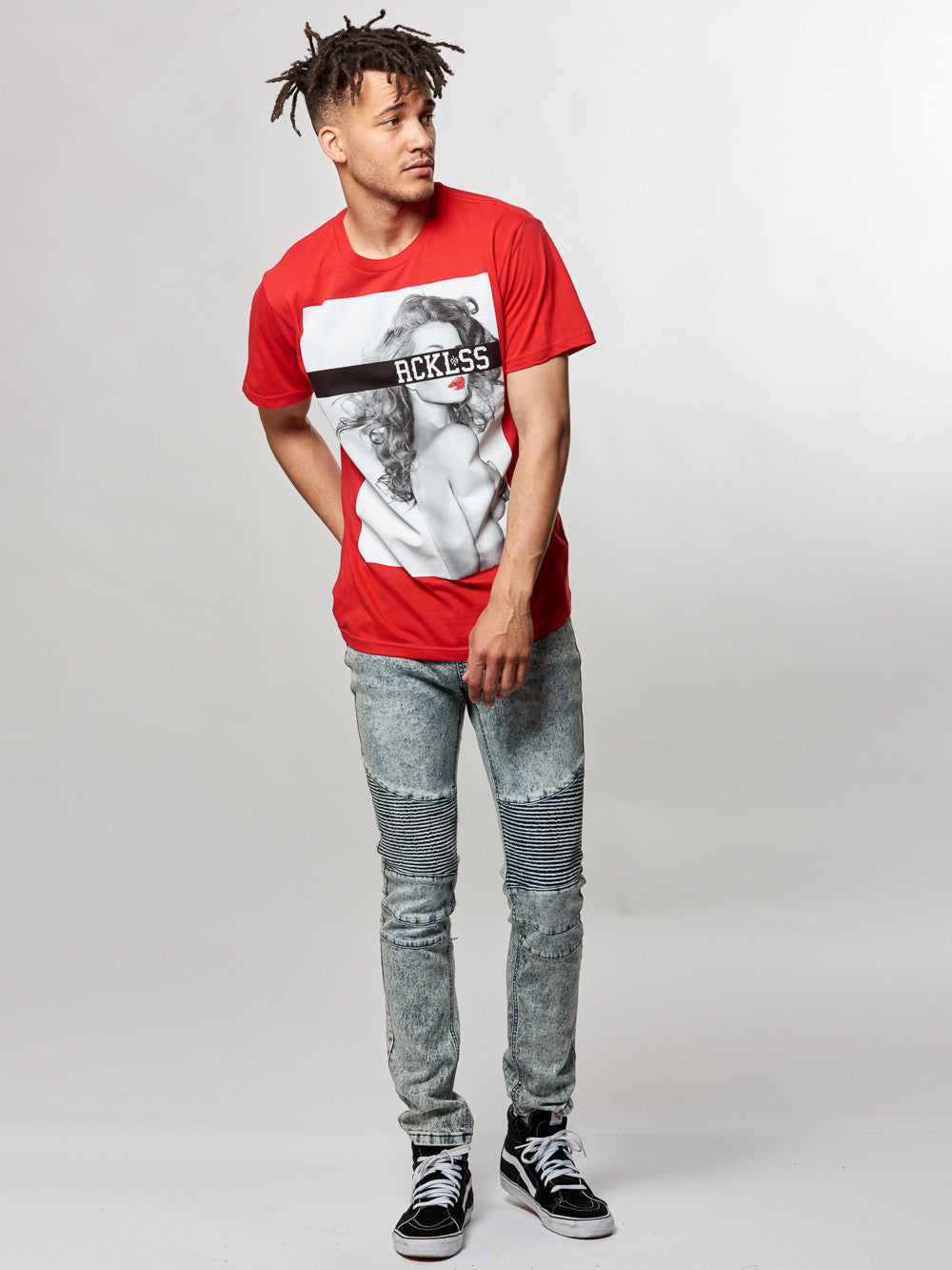 Young and Reckless Mens - Tees - Graphic Tee Love is Blind Tee- Red