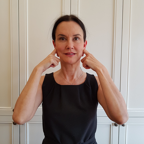 jaw exercise facial yoga