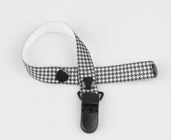Dog Tooth Pacifier Clip