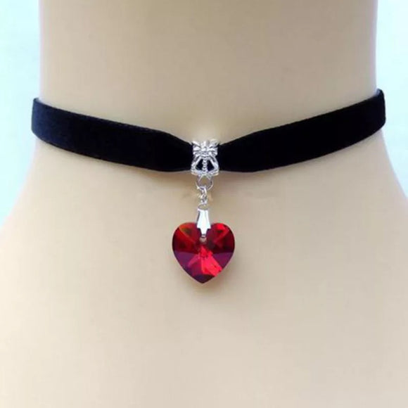 DDLGVERSE Velvet Heart Gem Collar Red