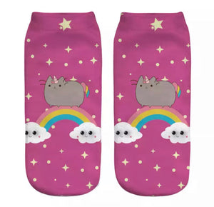 DDLGVERSE Rainbow Pusheen Socks