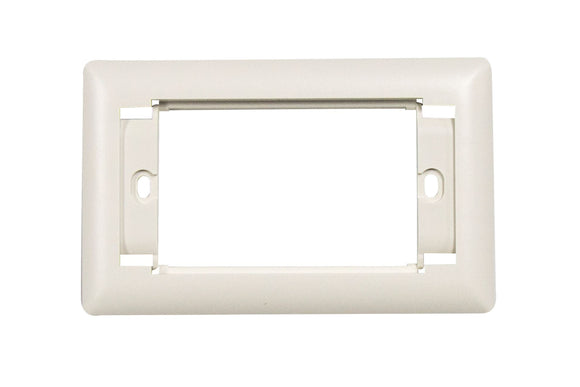 Picture of AVP-3UFP: DYNAMIX 3 Gang AV Face Plate. Includes Top & Bottom Labeling.