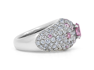 Kazanjian Fancy Vivid Pink Diamond, 0.65 carats, Ring, in Platinum