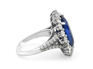 Kazanjian Round Cut Sapphire, 13.88 carats, and Diamond Ring in Platinum