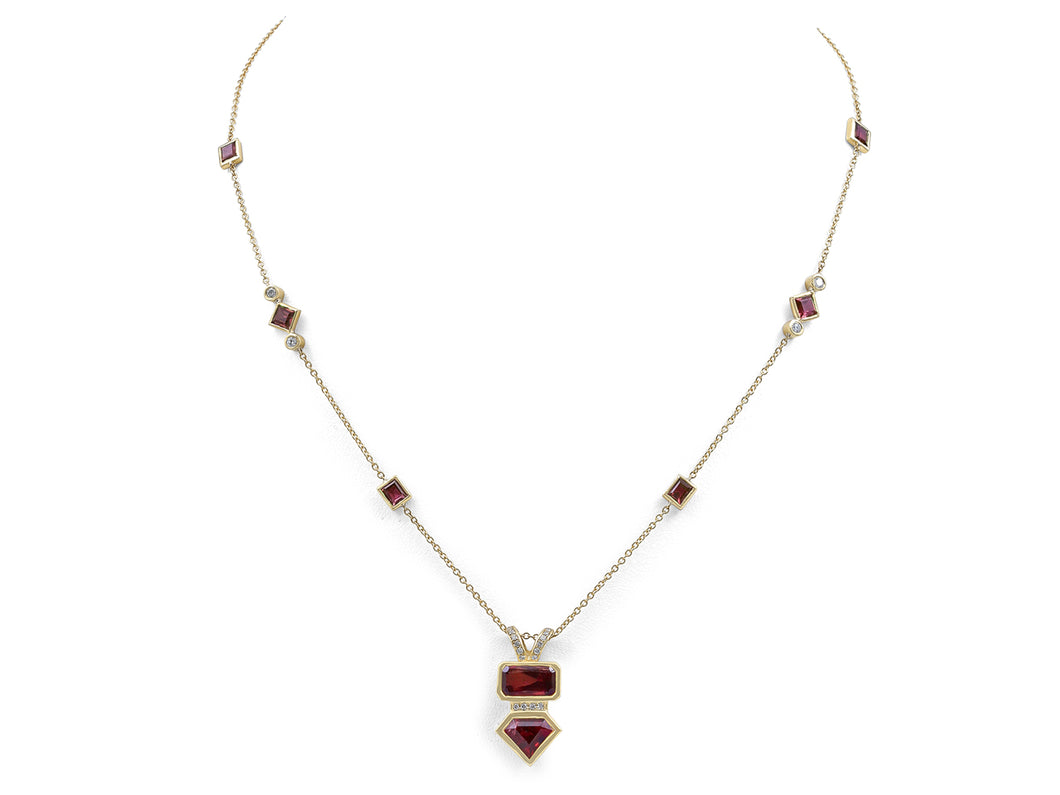 Kazanjian Ruby Necklace, in 18K Yellow Gold