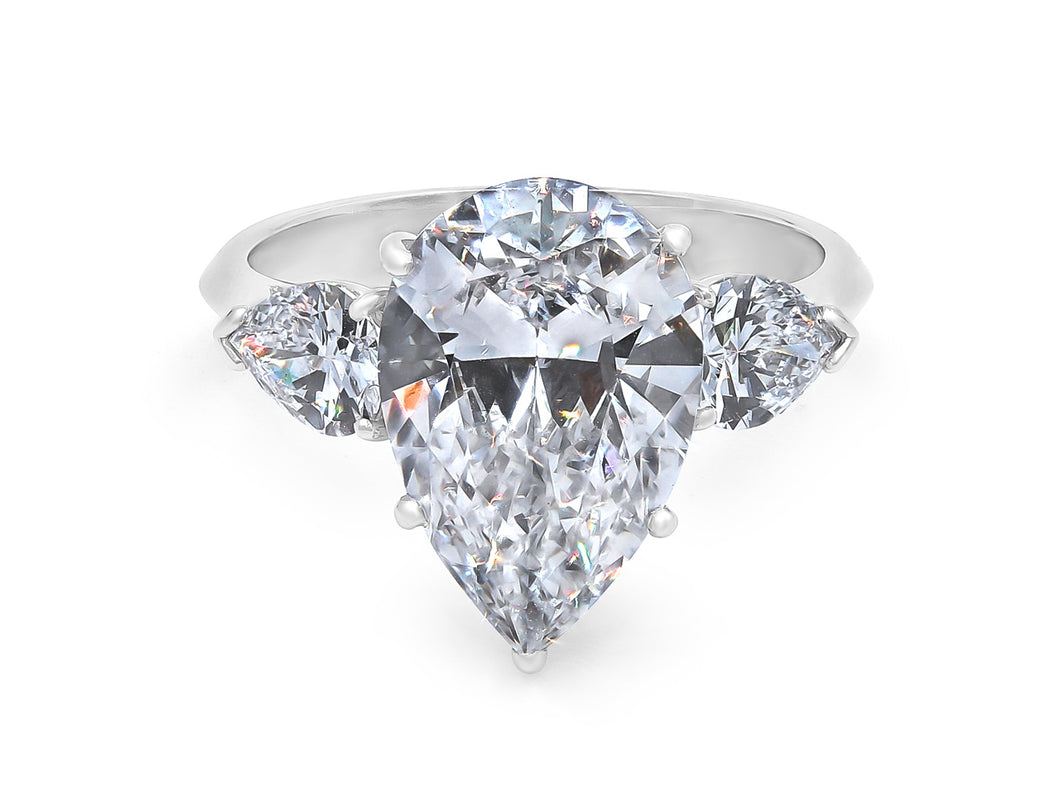 Kazanjian Pear Cut Diamond, 3.14 carats, Ring in Platinum