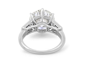 Kazanjian Round Brilliant Cut Diamond, 5.04 Carats, Ring in Platinum