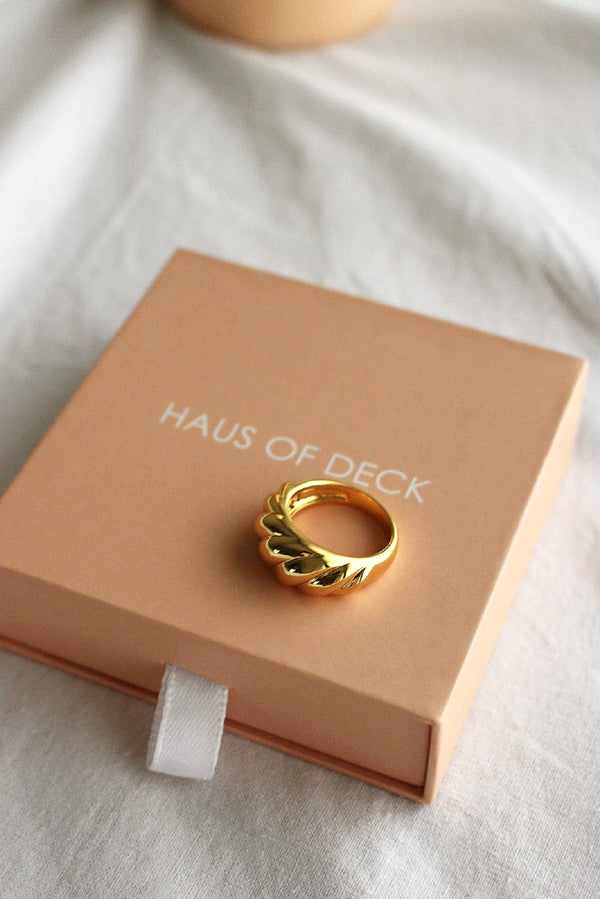 18k Gold Baguette Dome Ring