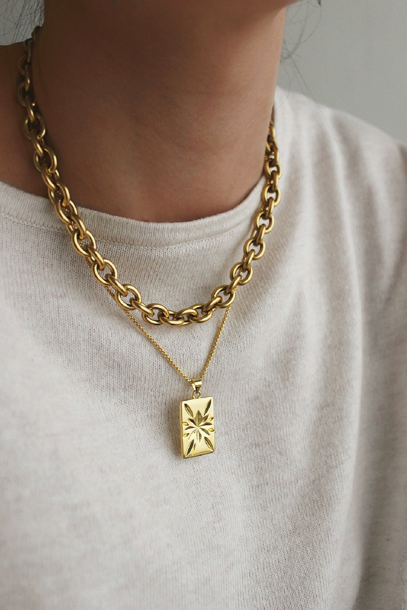 18k Gold Chunky Chain Star Layering Set